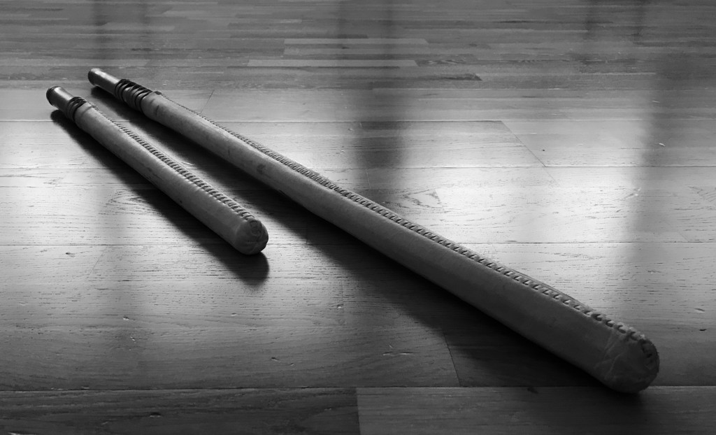 Fukurō-shinai daishō (sword pair) which was developed by Kamiizumi Nobutsuna, founder of the Shinkage-ryū Hyōhō, for fighting and practicing taryū-jiai with full contact. In comparison to shiai being fought with a bokutō, the usage of fukurō-shinai reduced the risk of getting severely injured during training and was thus quickly adapted by many ryūha for their shiai training and the duels they fought.